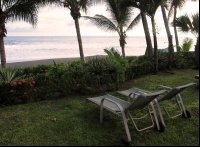 backyard hotel hermosa deckchairs 