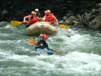 rios tropicales savegre river rafting safety kayak 