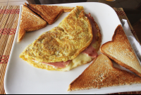 ham and mozzarella cheese omelet
