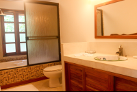 beach room bathroom