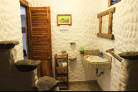 entredosaguas bathroom 