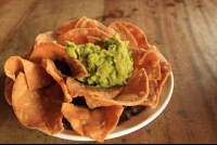 caliches chips guac 