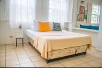 apartment queen size bed selina hostel manuel antonio