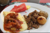 scrambled eggs and gallo pinto breakfast