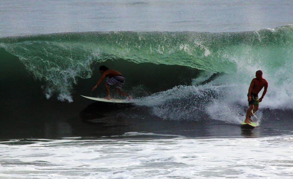 hermosa surf contestest watching 