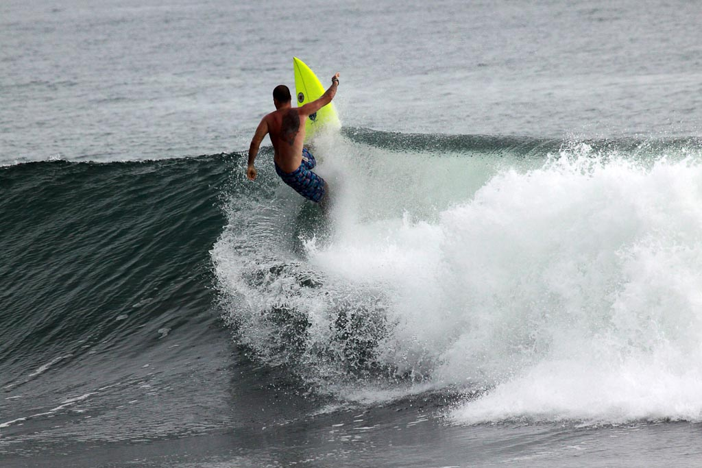 hermosa surf conttest up the wave 
