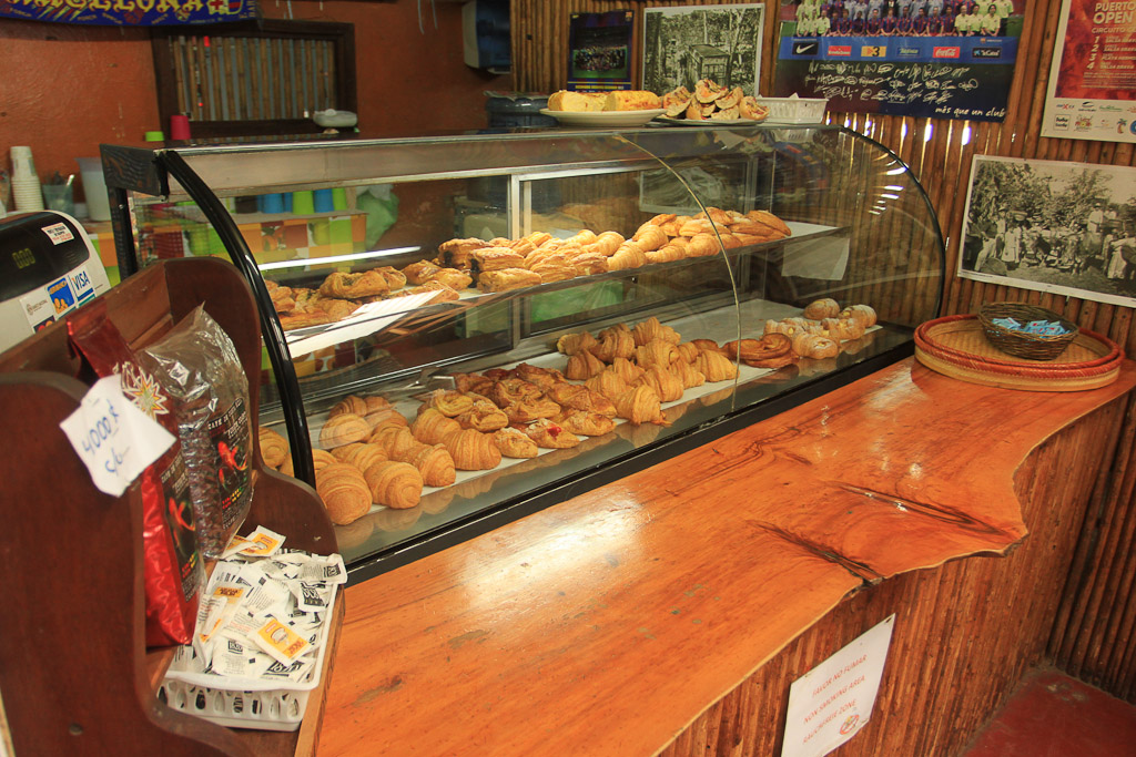 a day puerto viejo pan pay bakery 