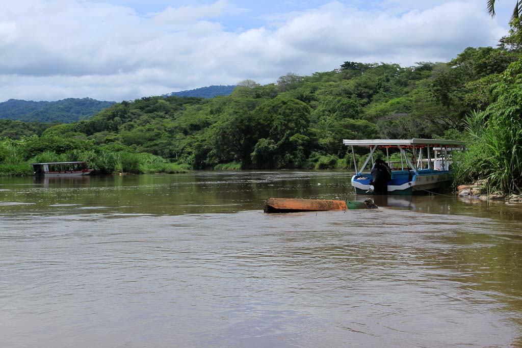 tarcoles river overview 