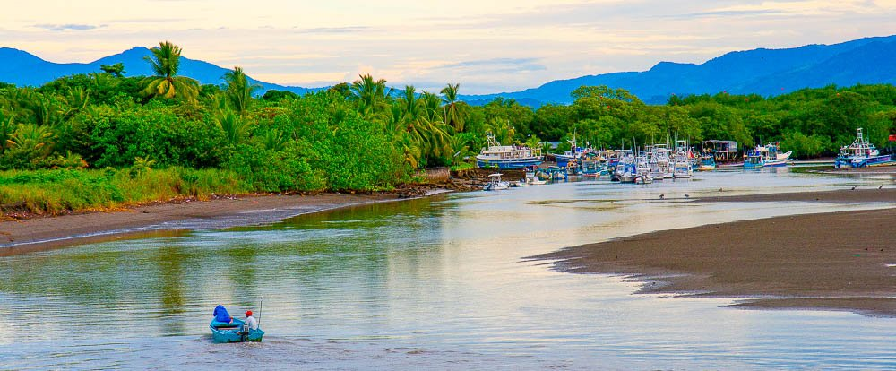 quepos beach harbor view edit