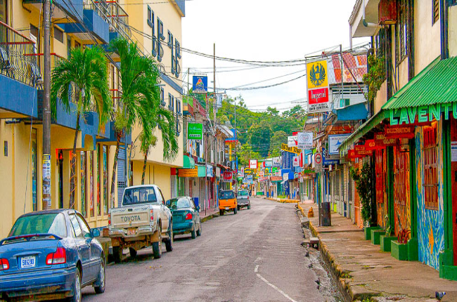 downtown streets quepos Edit