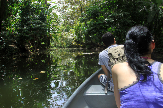 sloth sanctuary canoe ride 