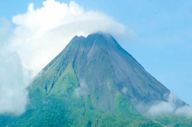 arenal volcano view  adjust