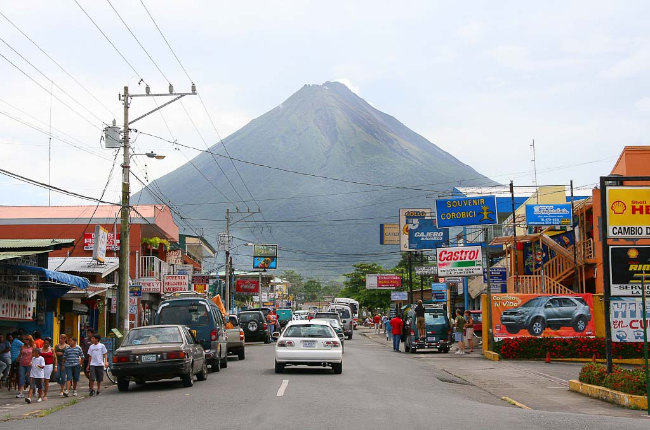 arenal volcano and la fortuna adjust 