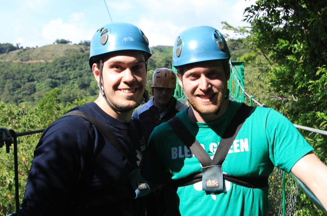 Extremos zipline Friends