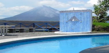 Volcano-view Hotel in Arenal - Costa Rica